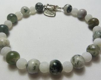 Green and White Agate Beaded Bracelet
