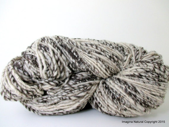 Hand Spun, Undyed, Non treated, Pure Chilean Araucana Wool Knitting Yarn Handmade - Natural White and Grey - No Added colour 100g 3.5oz