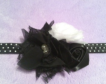 Black and white flower trio headband.
