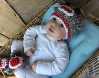Sock Monkey Hat and Sock Monkey Booties Set for baby, Baby Photo Prop, Baby Crochet Hat, Hat for Baby Boys, Knit hat for baby, infant hat