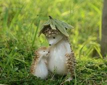 Fairy Garden Miniature Cute Father-son Hedgehog with Leaf Mini Garden Accessories Terrarium Accessories