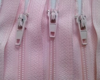 10 Nylon Zippers 22 Inches #3 Coil Closed Bottom Color 512 Light Pink (10 Zippers)