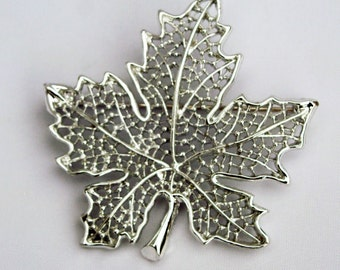 VINTAGE Silver Filigree Sarah Coventry Maple Leaf Pin Brooch - Designer Signed Brooch