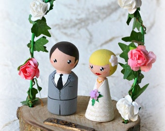 Personalized Wedding Cake Topper with arch, Painted Wedding Cake Wood Peg Dolls, Custom Wedding Bride and Groom, Custom Cake Top