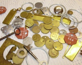 Altered Art Steampunk Pack 57 Pieces Vintage tokens tags keys buttons Metal Parts Rings A