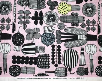 Marimekko fabric, Puutarhurin parhaat pink by Maija Louekari, 145x50cm