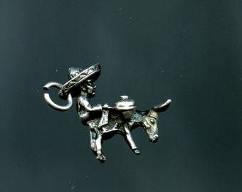 Vintage-Sterling-Silver-Dentures-Mexican-Donkey-Sombrero-Charm-3D