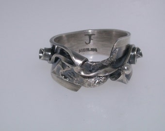 Sterling SIlver Ring - Hand Forged W/Reticulated Element - Size 6 1/2