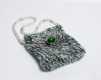 Knitted Purse - Green and White with Bead and Ring Closure