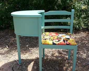 Telephone Gossip Chair