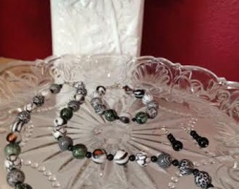 Black and White Necklace, Black and White, 3 Piece Set, Glass Beads, Beaded Jewelry, Free Shipping