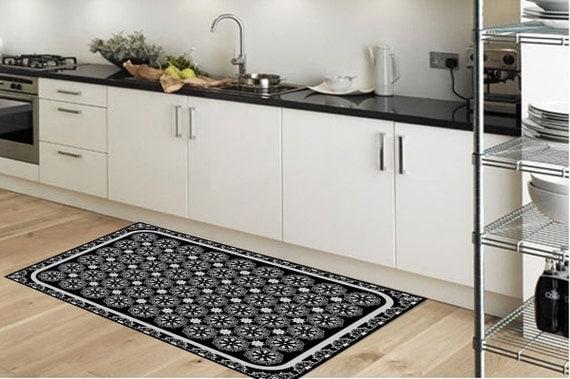 Kuche mit teppich