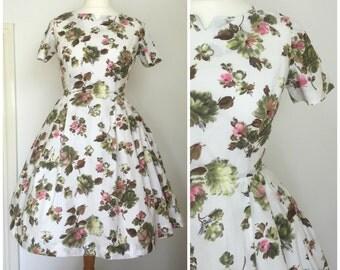 1950s Vintage Floral Cotton Dress 10 12  S M