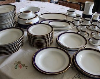 Plates and cups-Bavaria Schumann Arzberg Blue and gold-80 pieces