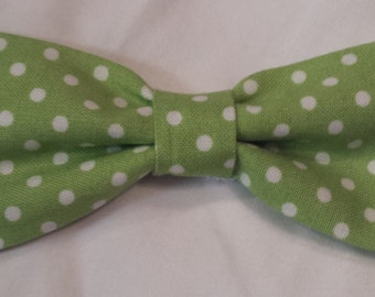 Green and White Polka Dot Bow Tie - Boy's