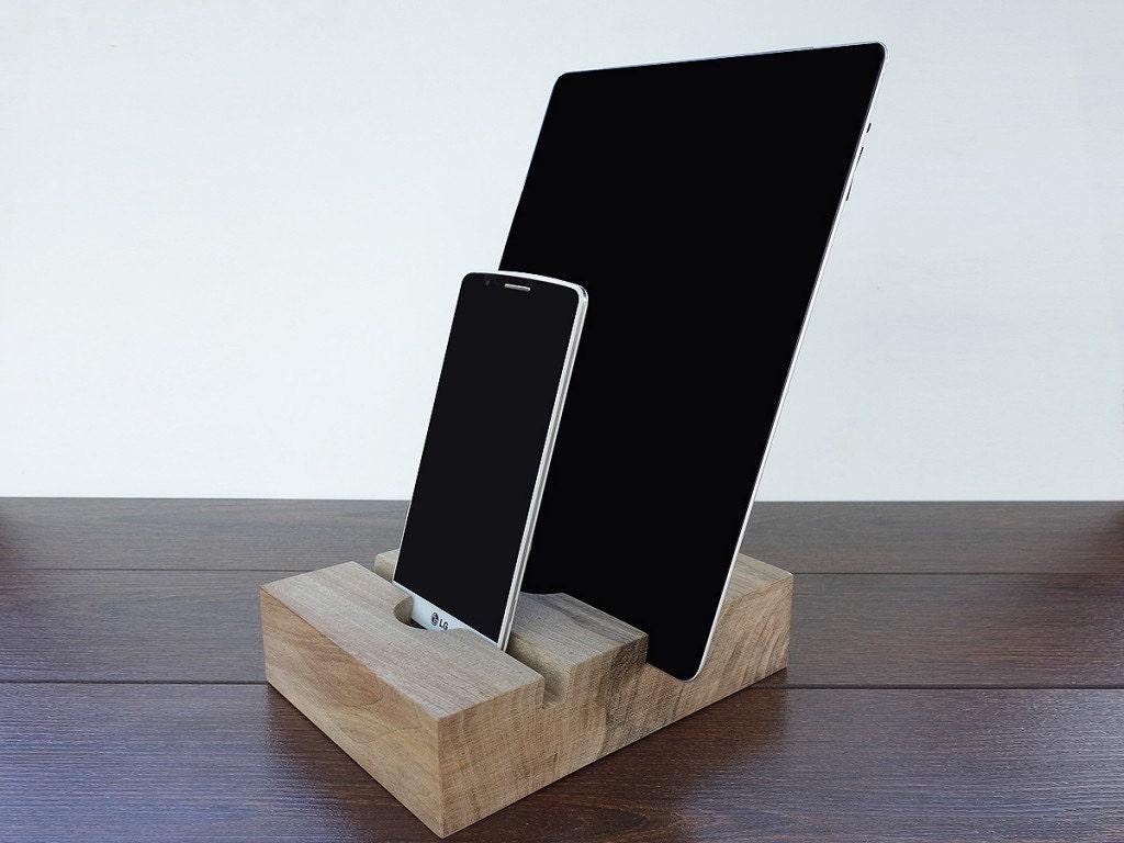 iphone 7 and ipad air 2 wood dual charging station ipad dock. Black Bedroom Furniture Sets. Home Design Ideas