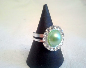 Green pearl ring, Green ring, Statement ring, Adjustable ring