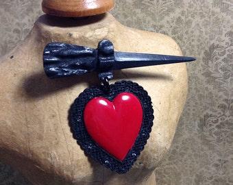 Love Kills Heart & Dagger Brooch - Sweetheart Novelty Pin - Vintage Inspired Kitsch - Punk Goth Pin Up Rockabilly - Custom Culture