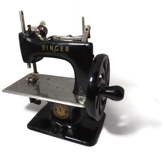 singer sewing machine serial numbers and models