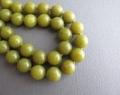 Olive. Chunky Serpentine Necklace, Green Hand Knotted Necklace, Retro Jewelry...Sweet Pea