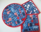 USA - Patriotic - Fabric Potholders - Hot Dish Serving Set - 2 Potholders, 1 Hot Pad