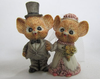 Vintage Enesco, 871133, Mr & Mrs Shopmouse getting married, Bride, Groom, wedding, collectible figurine, 1985
