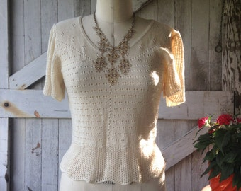 1970s flutter sleeve top 70s cream colored sweater size medium Vintage bohemian top