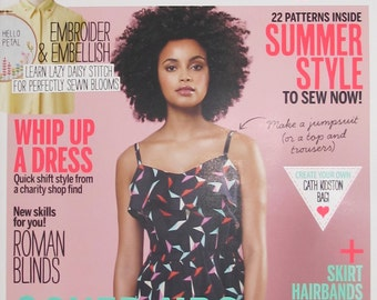 LAST Copy - Simply Sewing with Free Fabric Clips - Issue 4 - Cover Up - 4.00 Dollars