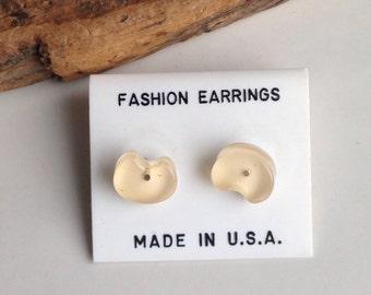 Stud Earrings, Post Earrings, Plastic Earrings, Light Pink, Beige, Lily Pad Earrings, 1980s Earrings, New Old Stock