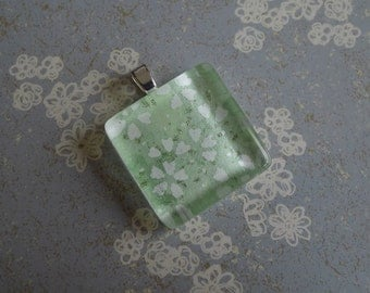 Pale Green Floral Glass Chiyogami Pendant - White Petals - Japanese paper