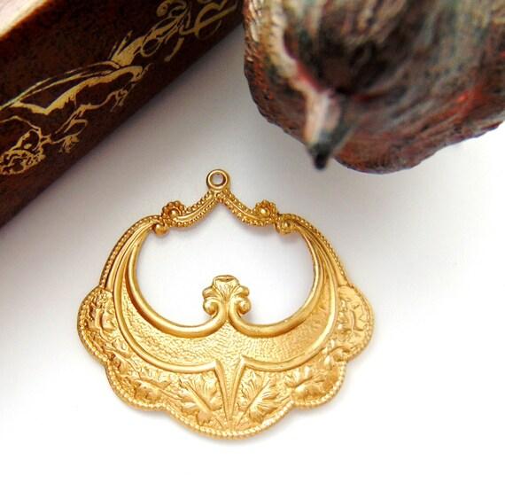 BRASS 2 Oak Leaf Focal Brass Stampings - Jewelry Ornament Findings (D-10) #
