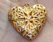 20 pcs of Gold Plated filigree heart Locket Pendant 25x24x6mm