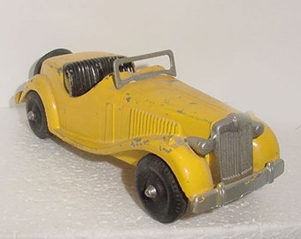 Hubley  Roadster - Antique -Toy - - 2 Seater  - USA Made -Nice Size