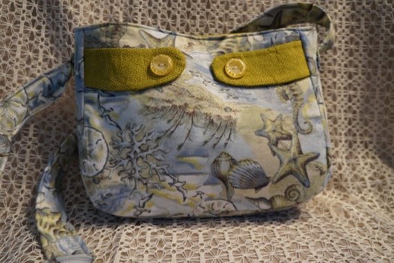 Cute Beachy small bag with back and inside pockets