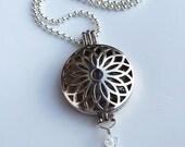 Locket necklace lanyard, round locket
