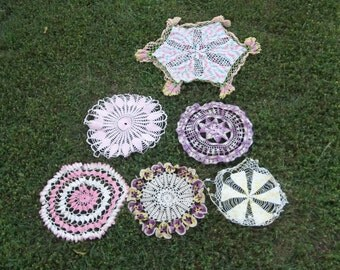 Vintage Lace Doilies Crochet Doily Runner Lace Wedding Decor Table Settings French Prairie Cottage Chic Pink Purple Lace Doilies Set of 6