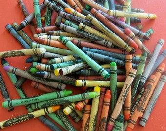 lot of vintage crayons