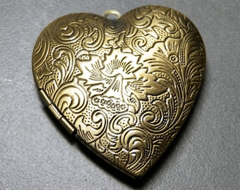 Vintage Brass Heart Locket  / Focal  with Leaves and Plume Floral Design  42x40mm (1)