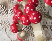 Vintage 1950s Mushrooms Spun Cotton Made In Germany 10 Red 18mm