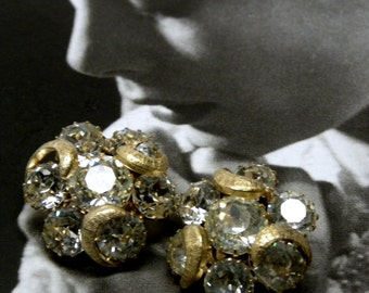 Stunning Radiant 1950-60s KRAMER Signed Rhinestone Cluster EARRINGS Crescent MOON  Formal Prom Bridal Wedding  Pageant Mint!