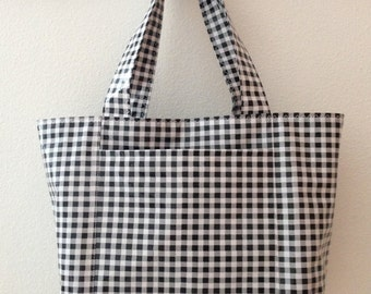 Beth's Medium Black Gingham Oilcloth Tote Bag with Exterior Pockets