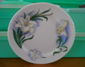 Vintage Syracuse China Small plate White Lillies on it