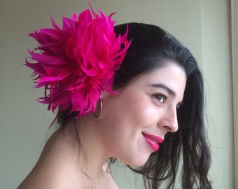 FLEUR de PLUME,  Vogue Goose feathers fascinator, Hot Pink  / FDP - 01