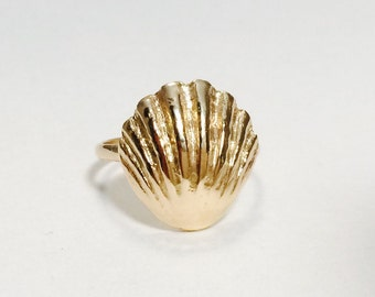 14k Gold Kaleimaeole Sunrise Shell Ring