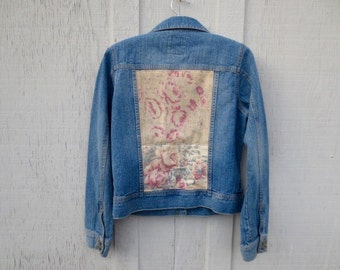 Denim Cowgirl Jacket Upcycled Country Western Blue Jeans Prairie Chic Boho Grunge Vintage 40's Shabby Cottage Chic Floral Fabric Size M