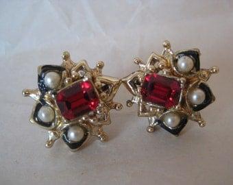 Red Pearl Black Gold Earrings Screw Rhinestone Vintage
