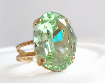 Mint green crystal cocktail Ring - light green crystal - crystal Ring - chrysolite green