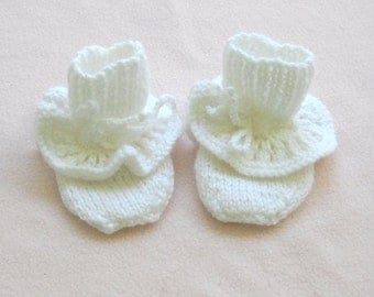 Lace Ruffle Booties 3 months