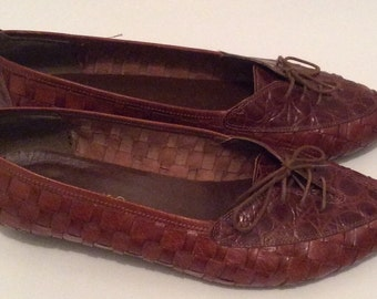Size 9 Vintage Brown Woven Oxfords