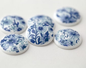 Vintage Lucite Floral Blue and White Cabochons Cabs 19mm (6)